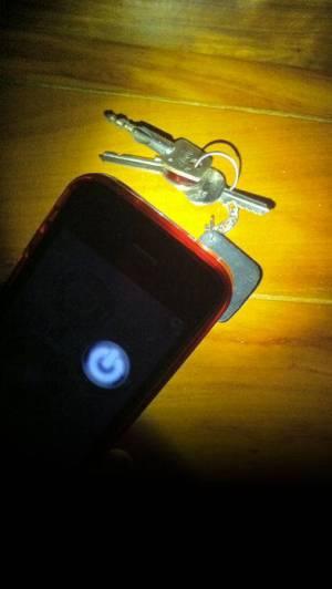 iPhone、iPadアプリ「LED 懐中電灯 HD+」のスクリーンショット 2枚目