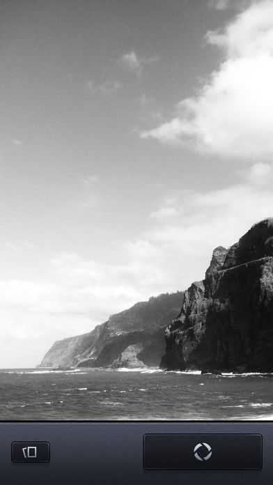 「Vint B&W MII - Black and White camera」のスクリーンショット 1枚目