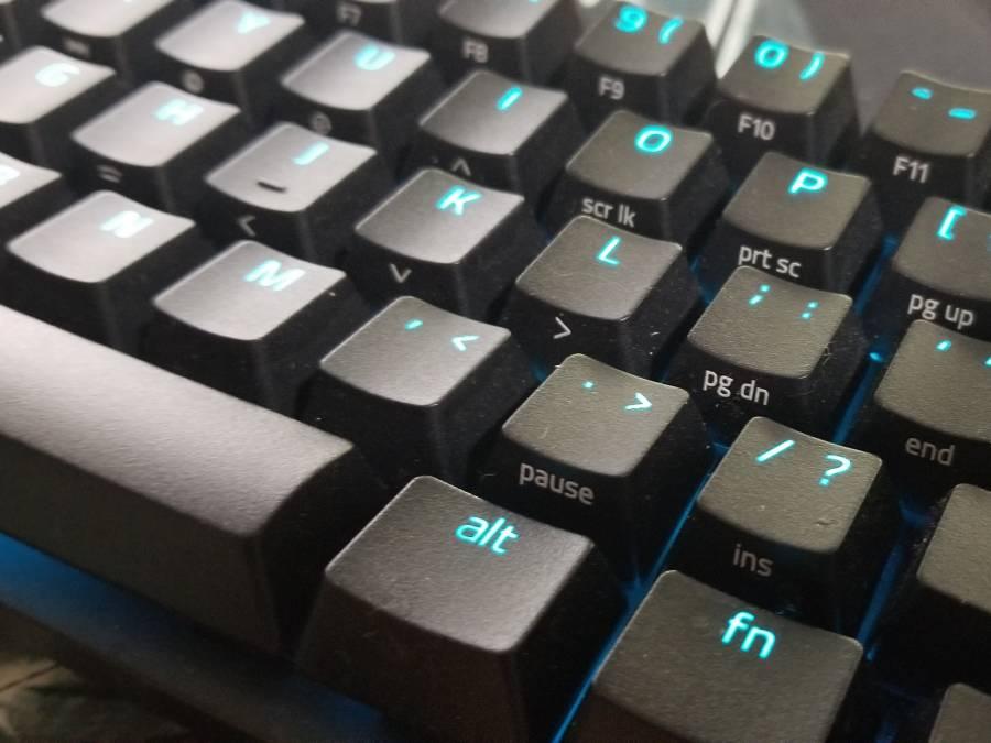 メカニカル式のゲーミングキーボード