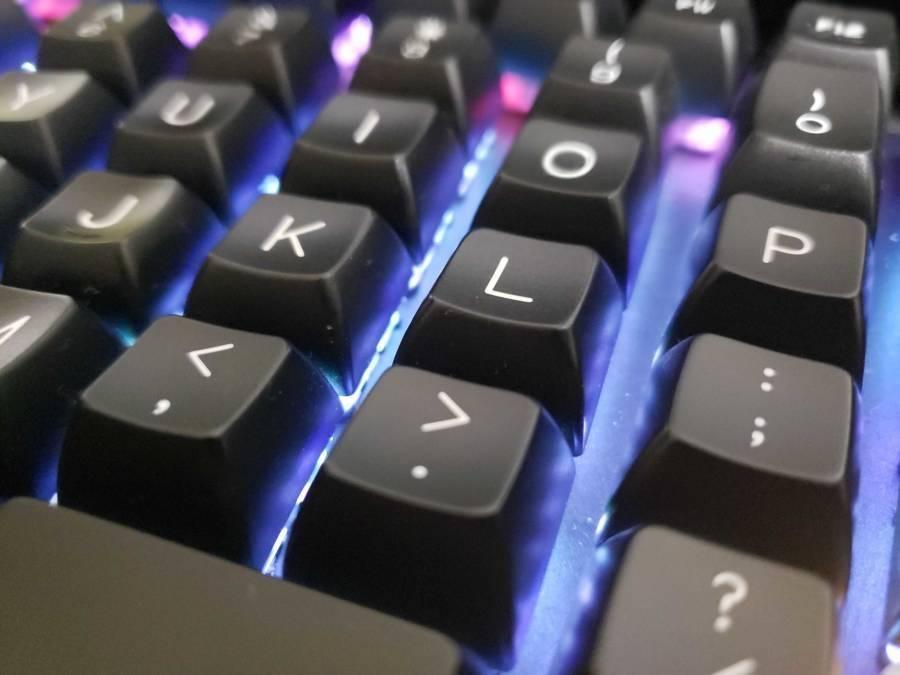 光学式のゲーミングキーボード